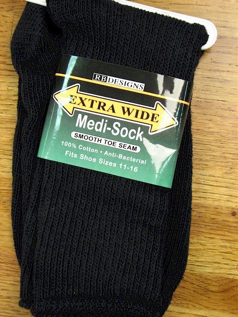 #052463.  . BLACK Retail $  10.00 King Sized Socks by EXTRA WIDE SOCK. MEDI-SOCK KING SIZE Whs A:  8 FW:  1 FBA:177
