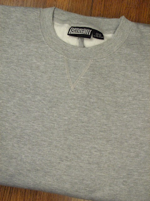 #000084. 3XL BIG. GREY Retail $  38.00 Athletic Crew by WHITE MOUNTAIN. PENNANT FLEECE CREW Whs A: 49