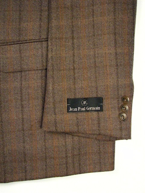 #182935. 60 P-RG. TAUPE Retail $ 249.00 Sportcoats by ZEGNORELLI. TWEED STRIPE <font face=arial size=2><BR>Special Order Item.</font> <B>Item stocked by Manufacturer.  Allow up to 3 weeks for delivery.</B>