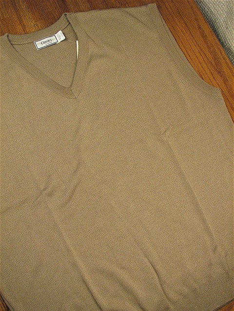 #194590. 2XL TALL. TAUPE Retail $  32.00 Sweaters by PALMLAND. INTERLOCK V-NECK VEST