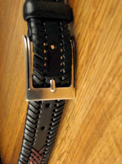 #331858. 50 . BLK/BURG Retail $  36.00 Belts by COLOURS. 32MM 2-TONE LACE Whs A:  2