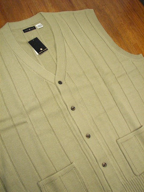 #214470. 2XL BIG. TAUPE Retail $  42.00 Sweaters by CTTON TRADERS. BUTTON FRONT VEST